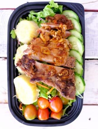 Salad Sườn Cốt Lết